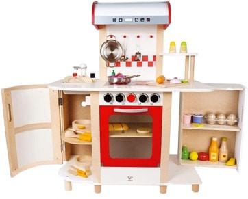 cuisine en bois jouet Hape