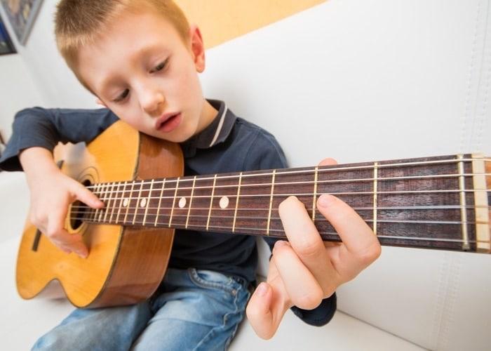 choisir une guitare enfant