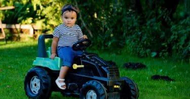tracteur à pédale pour enfant